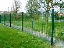 1500mm high green powder coated rolled top mesh panel fencing