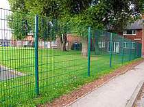 2000mm high green powder coated 868 mesh panel fencing - the 868 mesh panels provide a very high degree of durability against vandalism